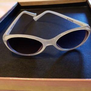 Sunglasses pearlized white